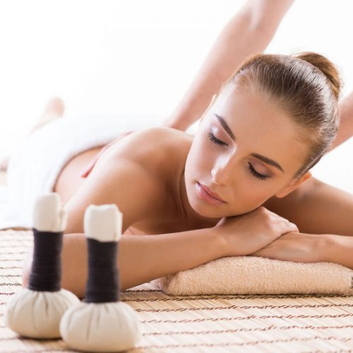 Massage-with-pouches-whole-body
